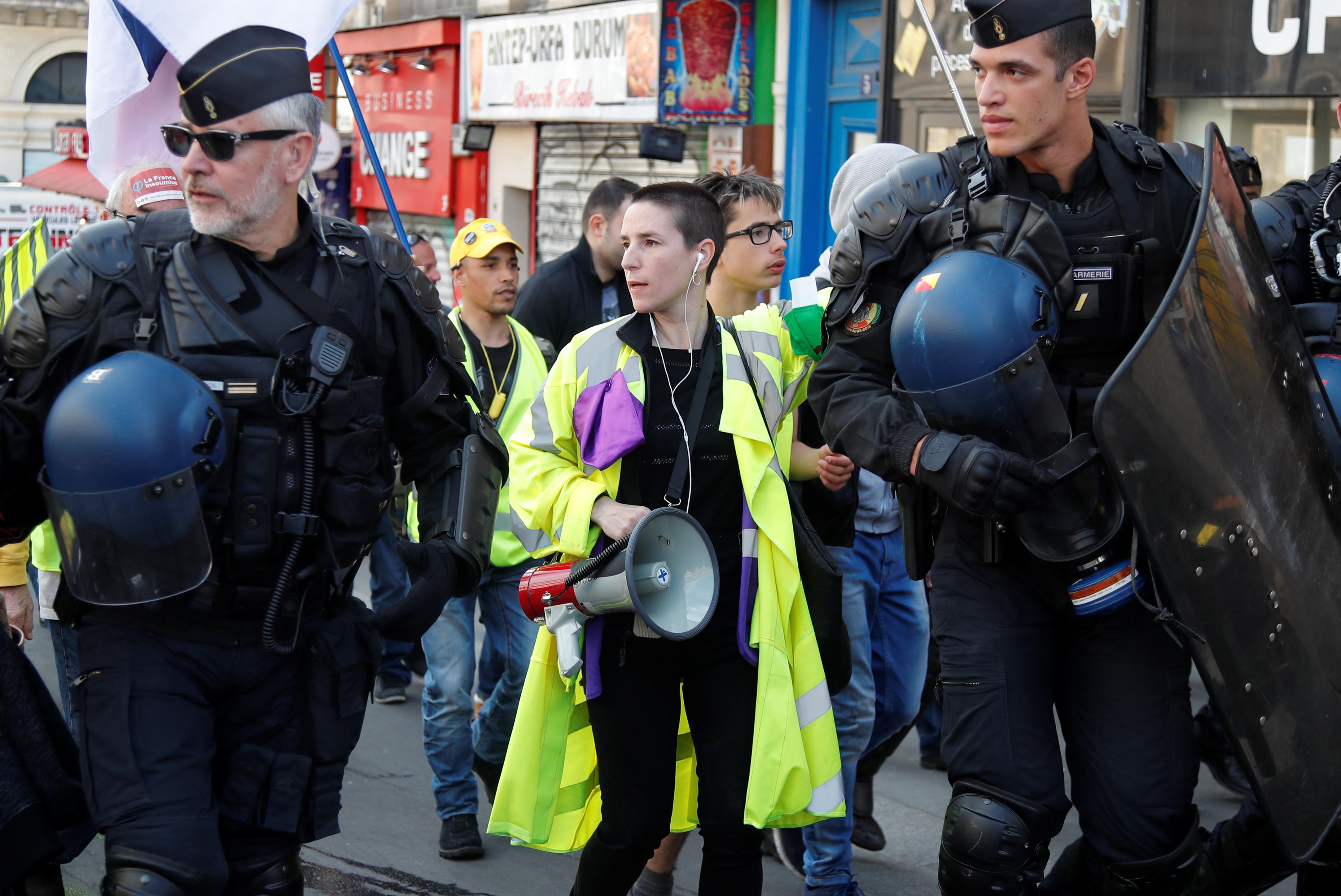 مظاهرات محتجى السترات الصفراء بفرنسا (11)