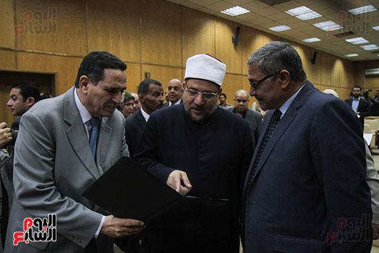 توقيع بروتوكول بين وزارة التموين ووزارة الاوقاف (3)