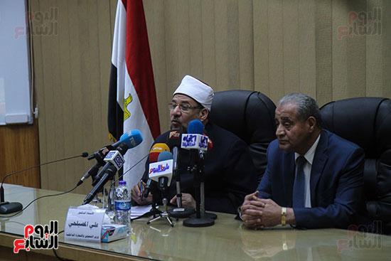 توقيع بروتوكول بين وزارة التموين ووزارة الاوقاف (14)