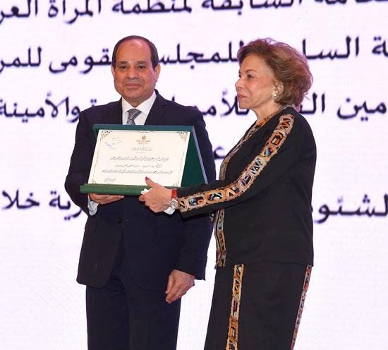 احتفالية المجلس القومى للمرأة لتكريم المرأة المصرية والأم المثالية (6)