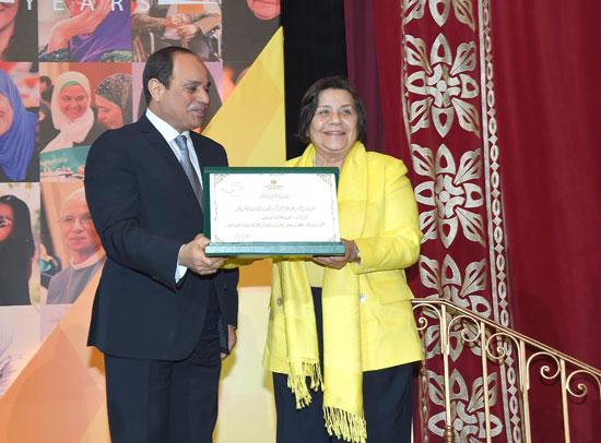 احتفالية المجلس القومى للمرأة لتكريم المرأة المصرية والأم المثالية (7)