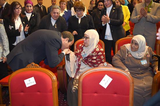 احتفالية المجلس القومى للمرأة لتكريم المرأة المصرية والأم المثالية (12)