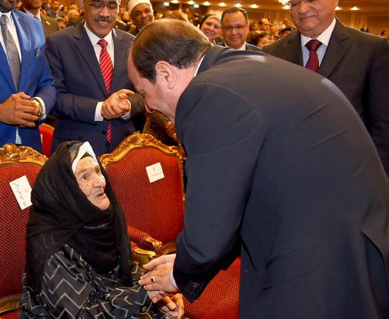 احتفالية المجلس القومى للمرأة لتكريم المرأة المصرية والأم المثالية (10)