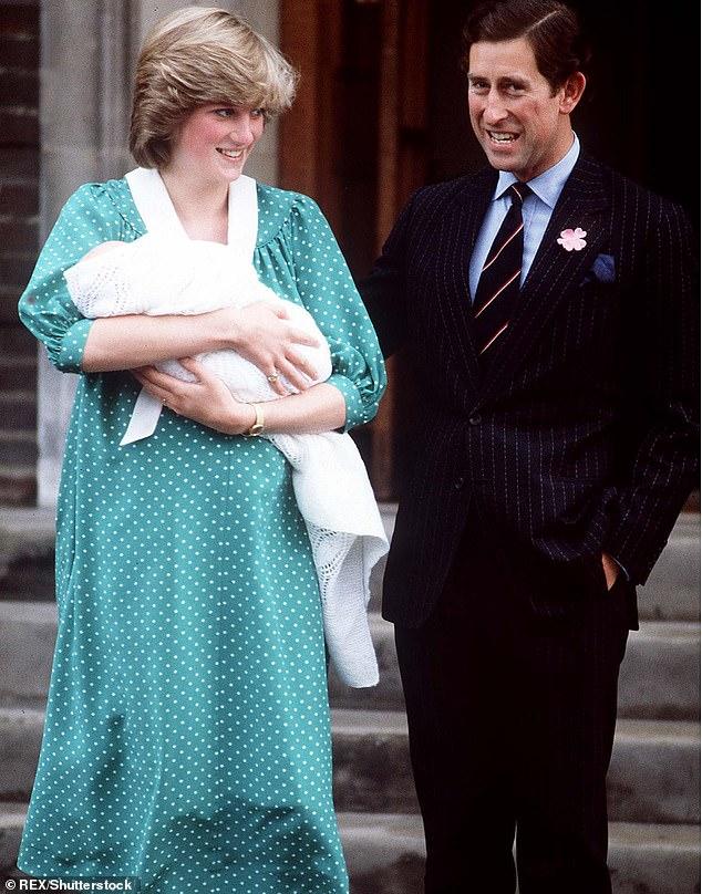 الأميرة ديانا مع مولادها فى نفس الجناح عام 1982