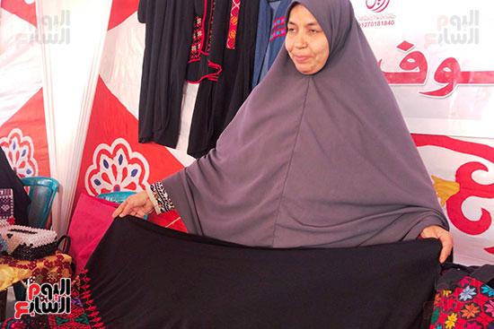 زينب عبدالله سيدة من مدينة العريش بشمال سيناء (4)