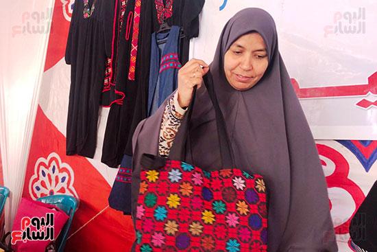 زينب عبدالله سيدة من مدينة العريش بشمال سيناء (5)