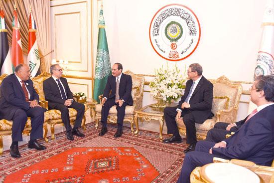 القمة العربية فى تونس بحضور الرئيس السيسى (16)