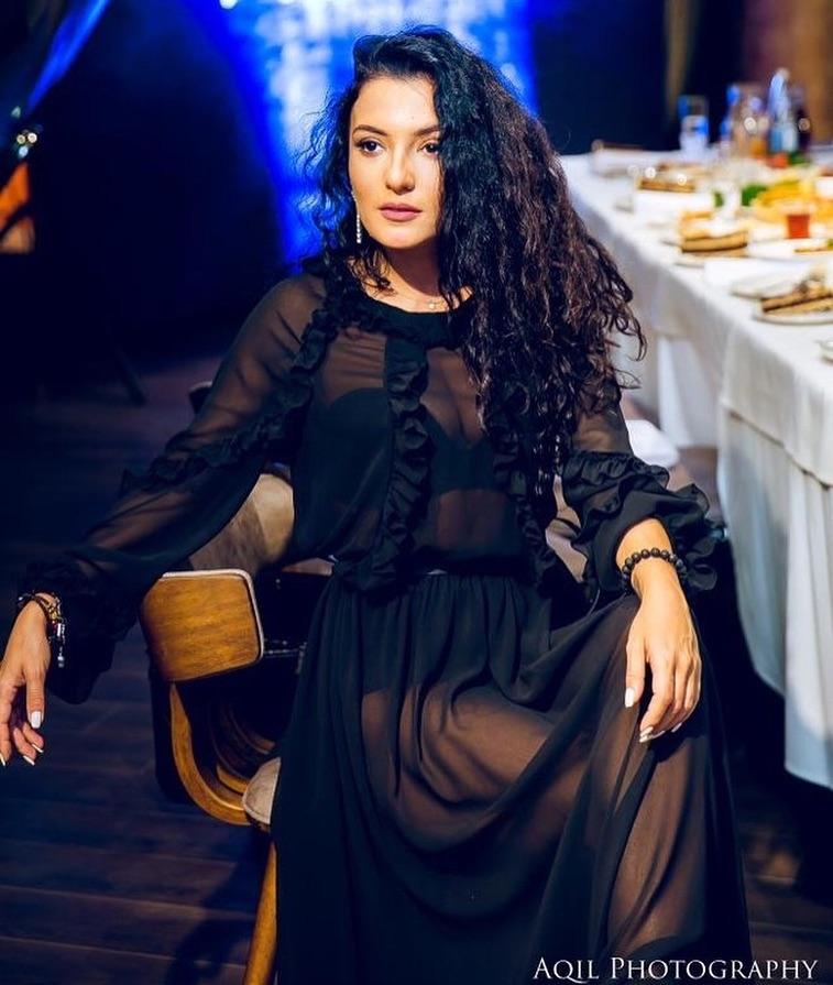 ديلارا كازيموفا خلال بروفات الحفل