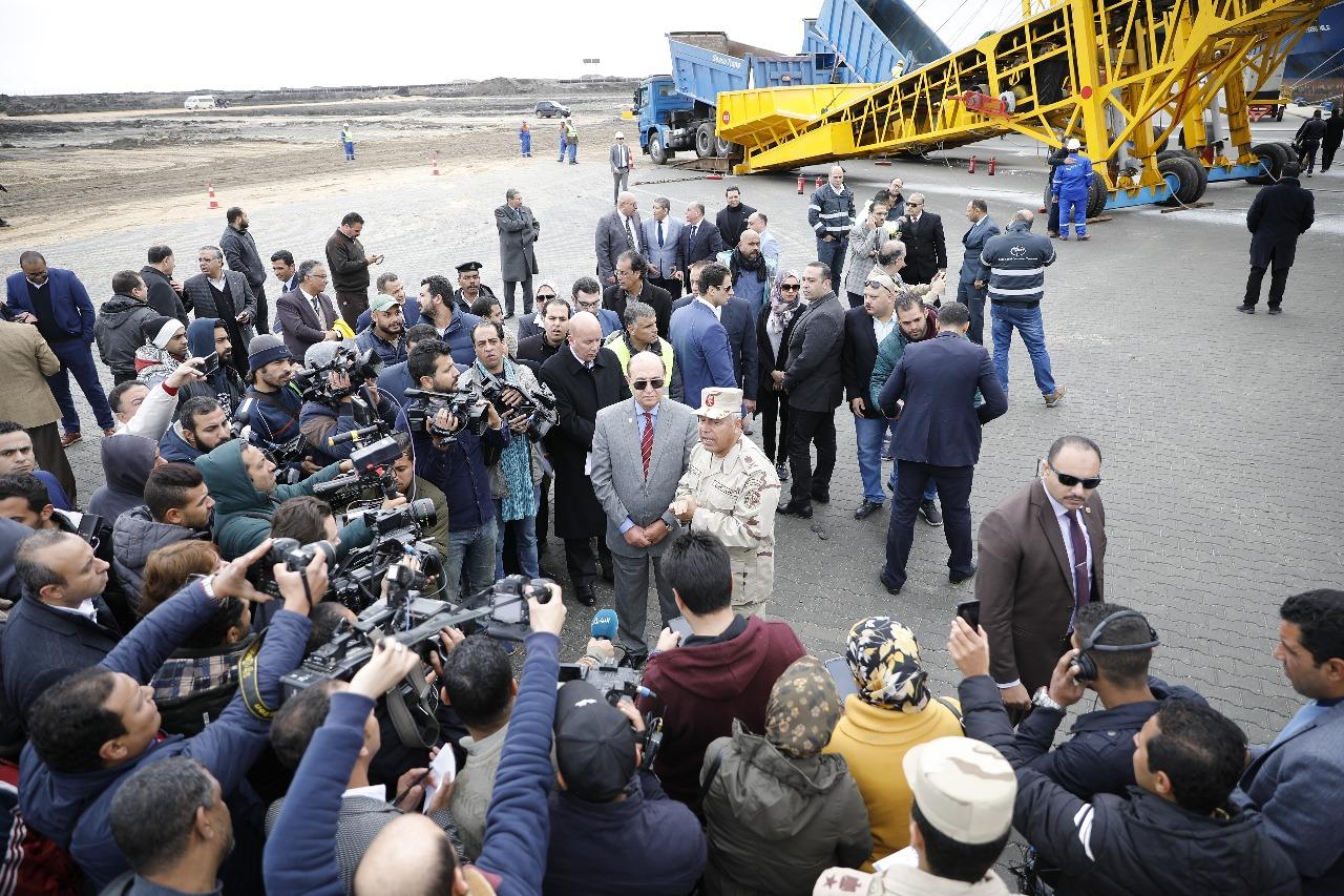 الفريق مهاب مميش واللواء كامل الوزيرى بميناء شرق بورسعيد