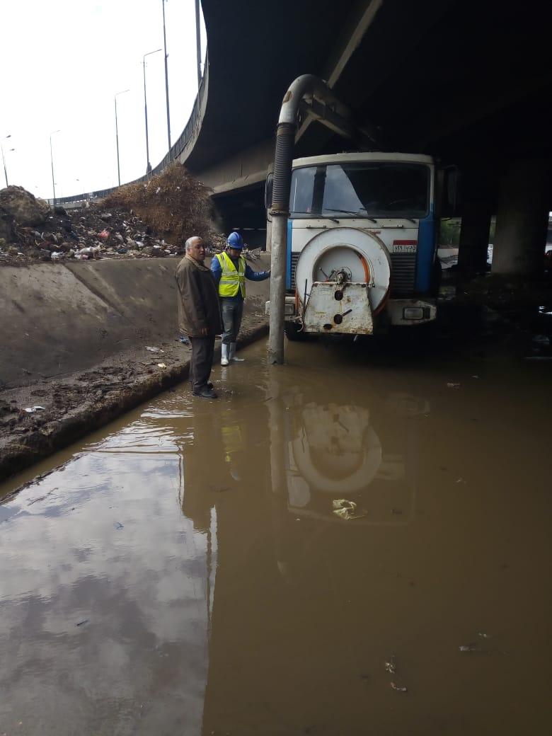 صرف القاهرة والجيزة ينجحان فى التعامل مع مياه الأمطار (14)