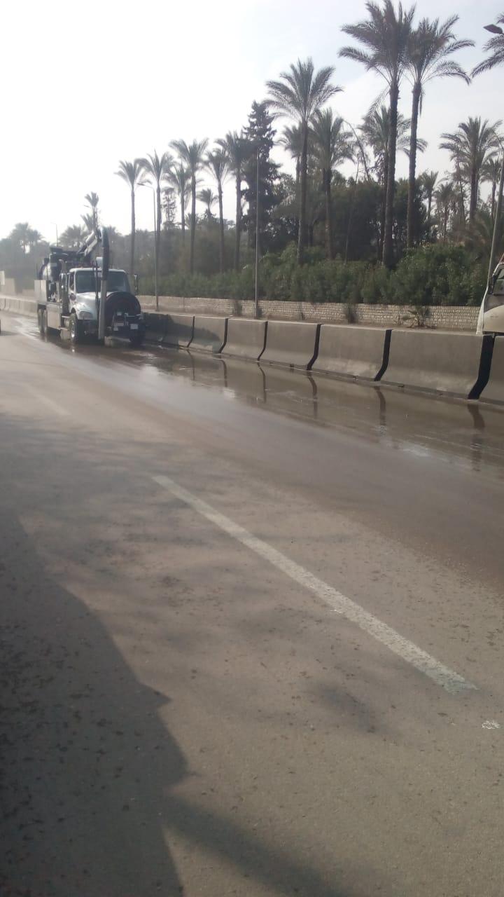 صرف القاهرة والجيزة ينجحان فى التعامل مع مياه الأمطار (8)