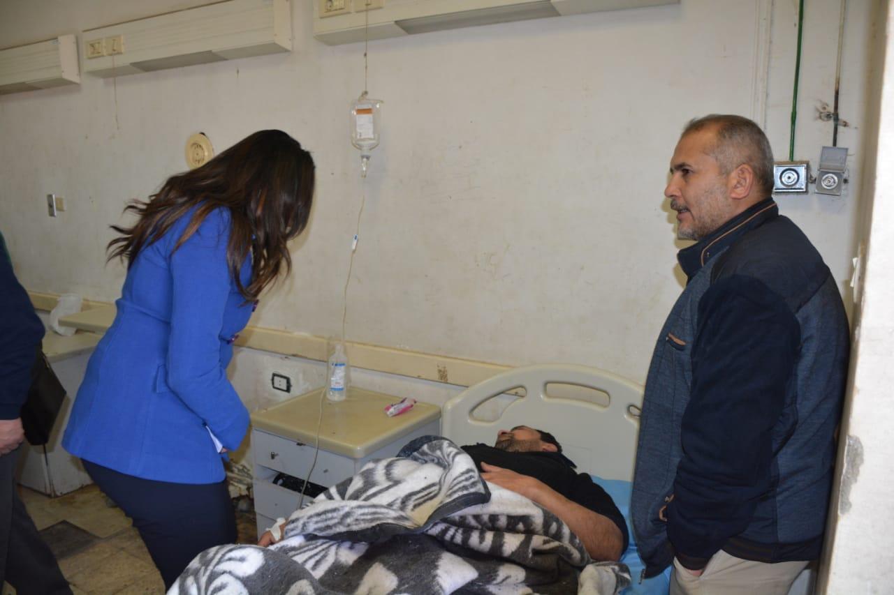 تفقد المصابين بالمستشفى  (7)