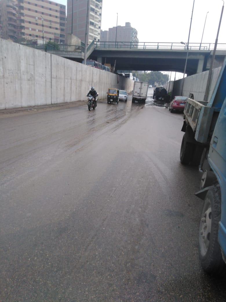 صرف القاهرة والجيزة ينجحان فى التعامل مع مياه الأمطار (1)