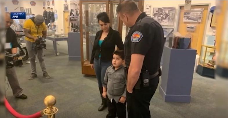 الطفل فى مركز الشرطة