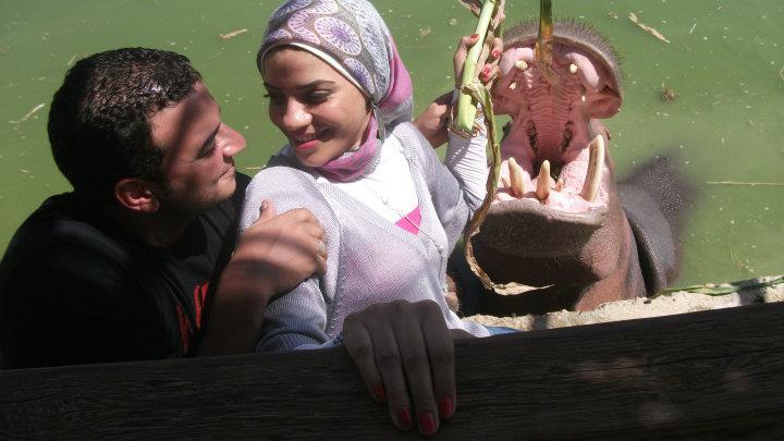 ابو اليزيد مع زوجها فى رحلة ترفيهية