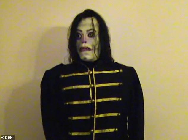 دمية مايكل جاكسون  (1)