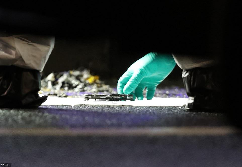 سكينة وجدها المحققون بجوار مكان ارتكاب الحادث