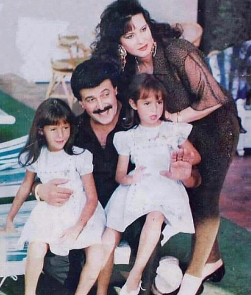 دنيا سمير غانم وعائلتها اثناء الطفولة