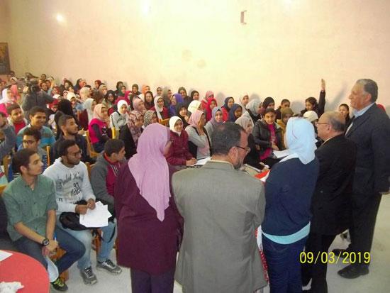 انطلاق ماراثون المراجعات المجانية بمدارس الإسكندرية (4)