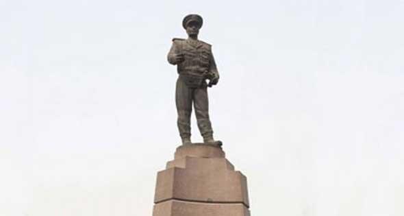 تمثال عبد المنعم رياض (4)