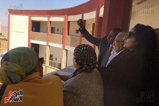 تعليم النواب  تشهد افتتاح معمل علم النفس التجريبى بجامعة أسوان (7)