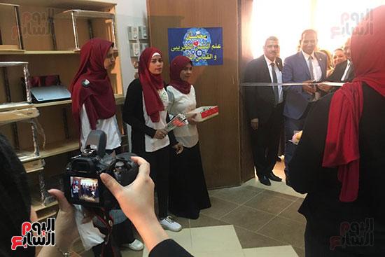 تعليم النواب  تشهد افتتاح معمل علم النفس التجريبى بجامعة أسوان (6)