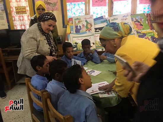 تعليم النواب تواصل زيارتها لمدارس أسوان (4)