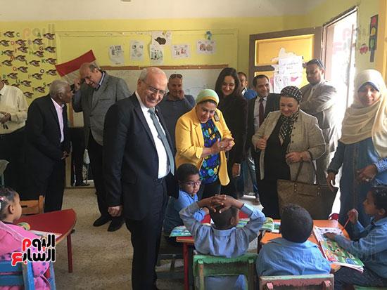 تعليم النواب تواصل زيارتها لمدارس أسوان (7)