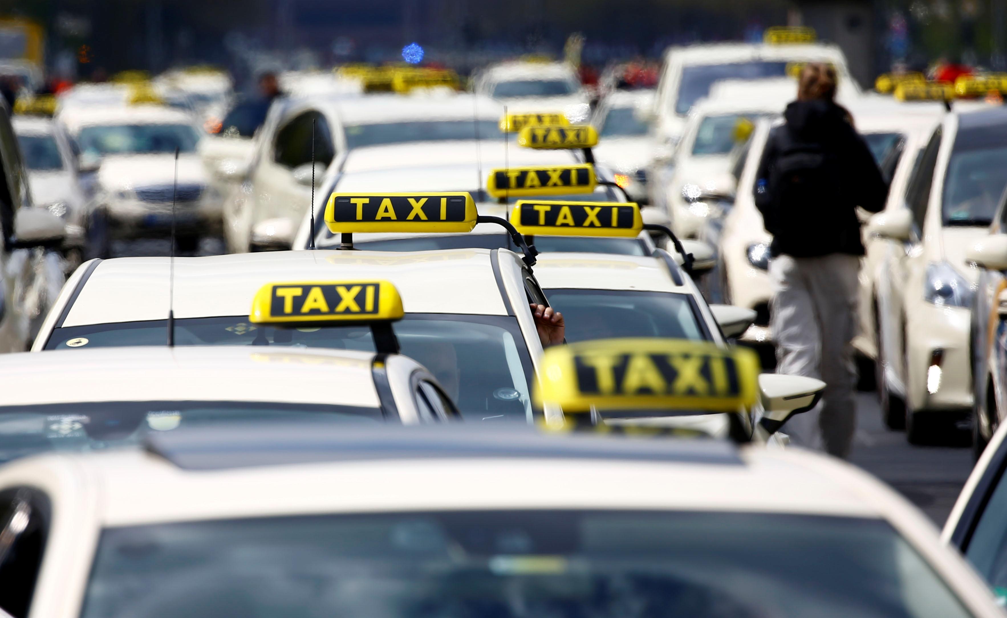 انتفاضة التاكسى تشل برلين (5)
