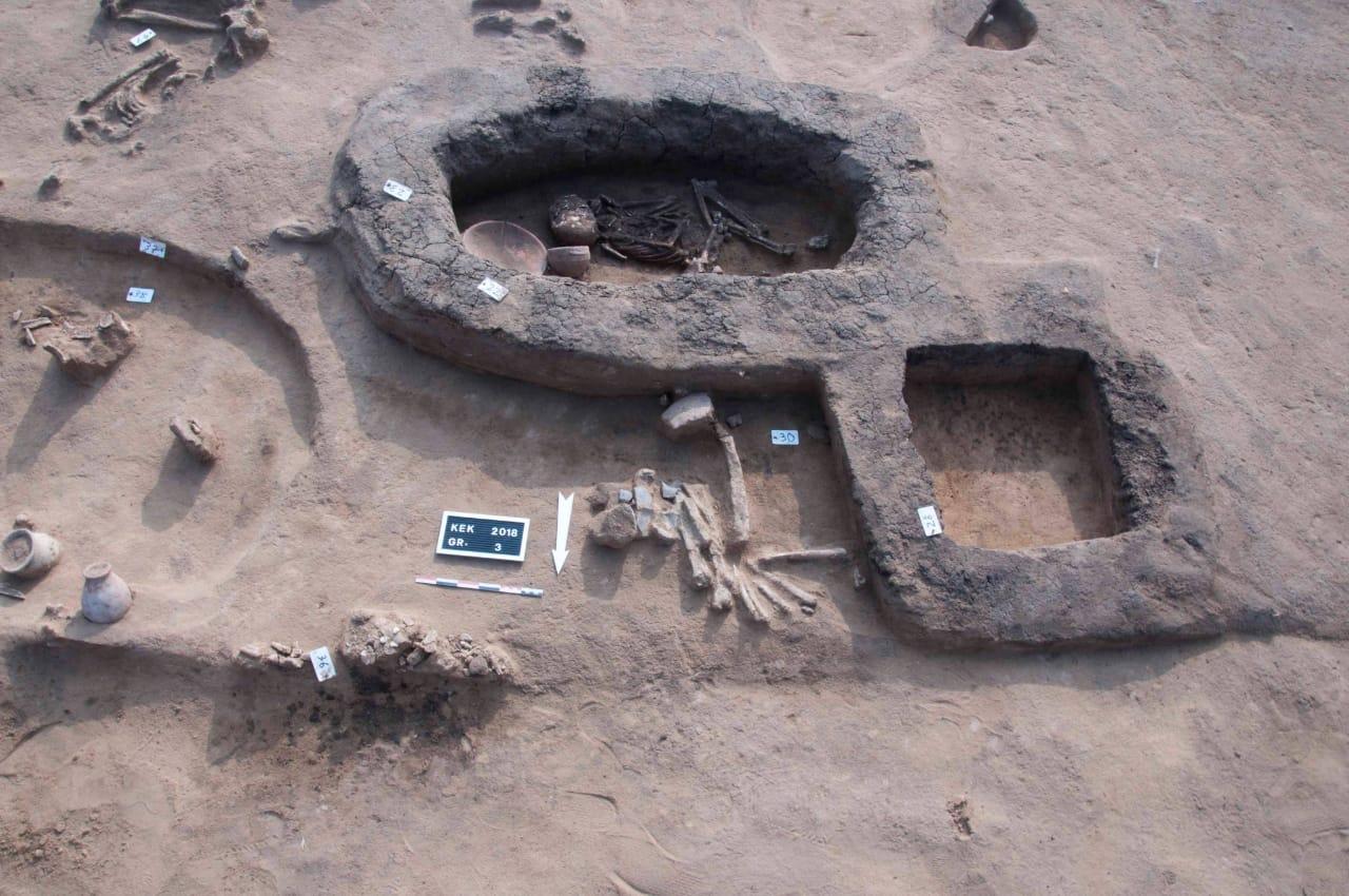 مقابر ودفنات