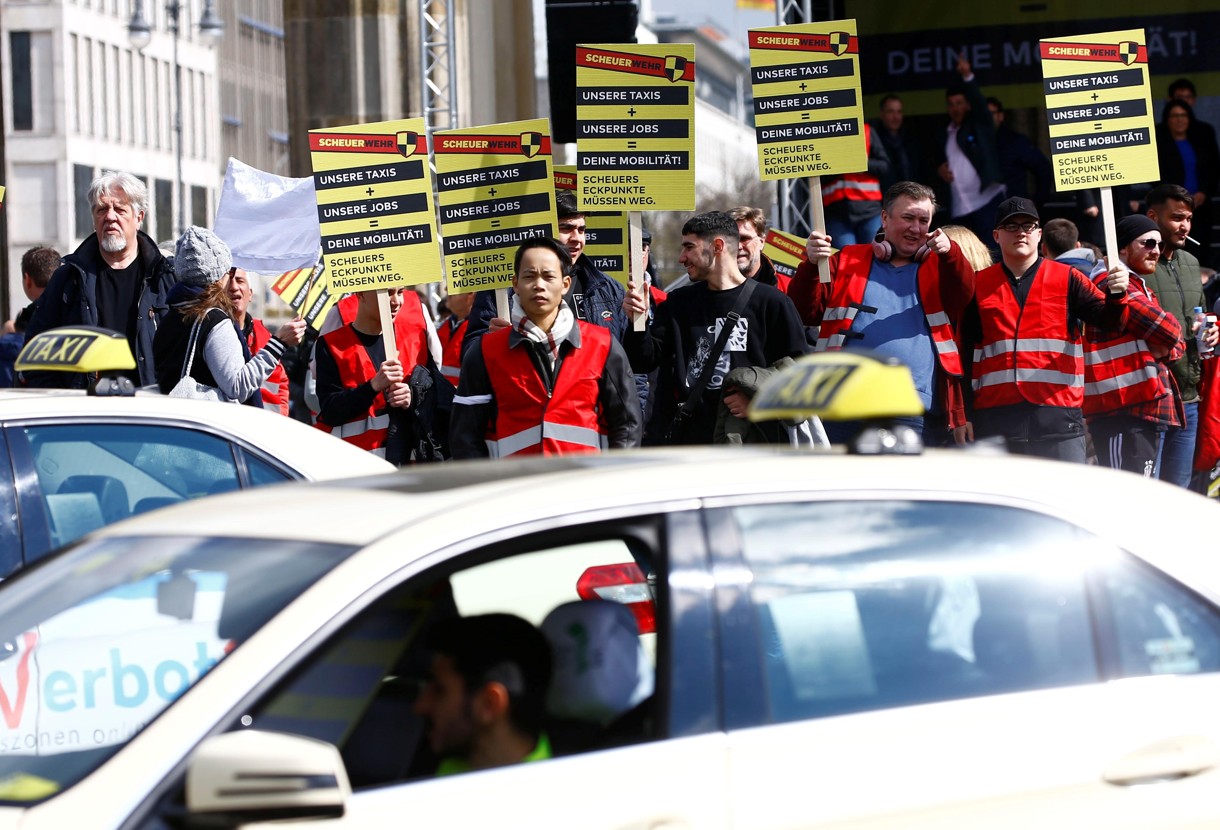 انتفاضة التاكسى تشل برلين (6)