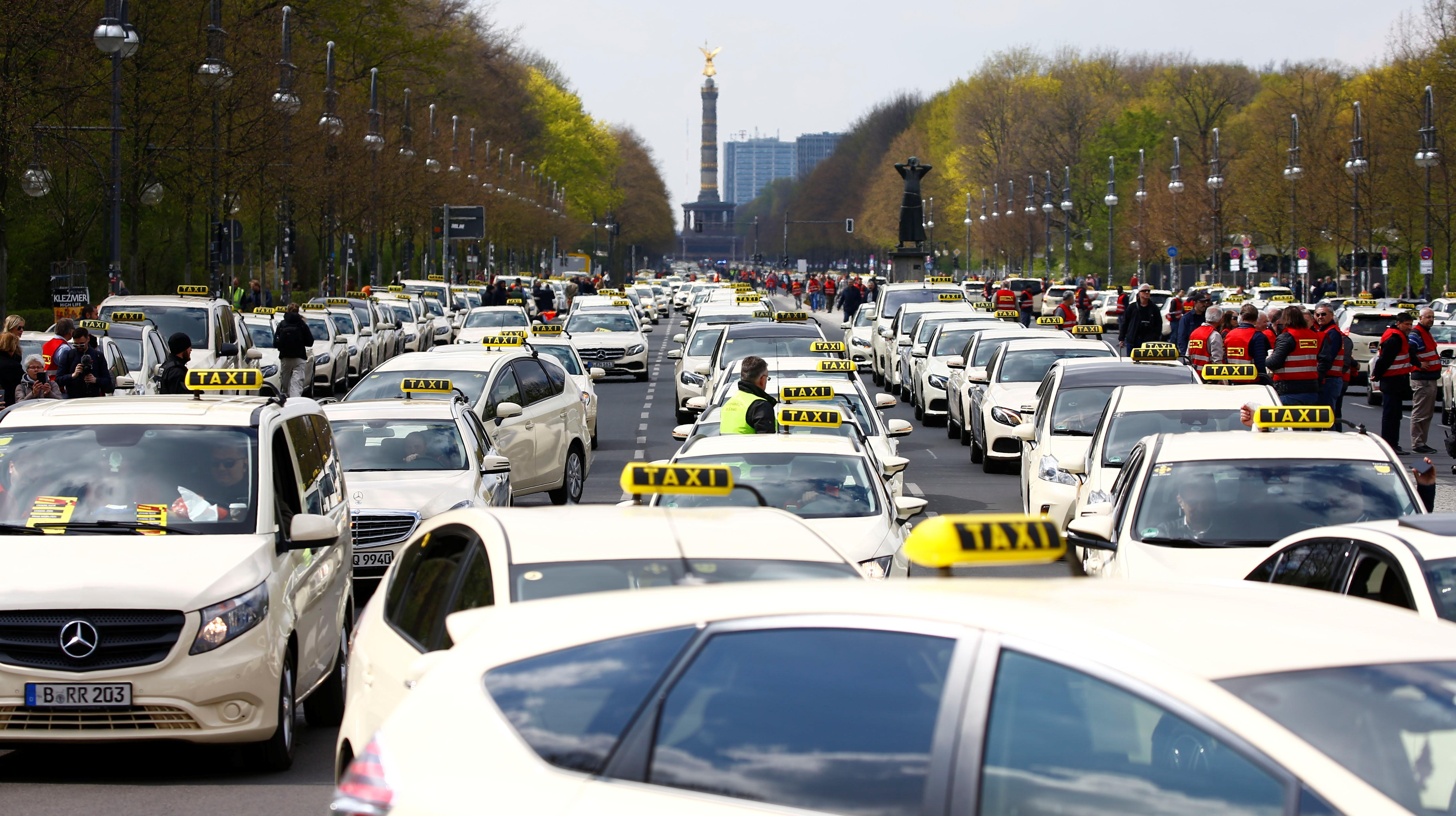 انتفاضة التاكسى تشل برلين (4)