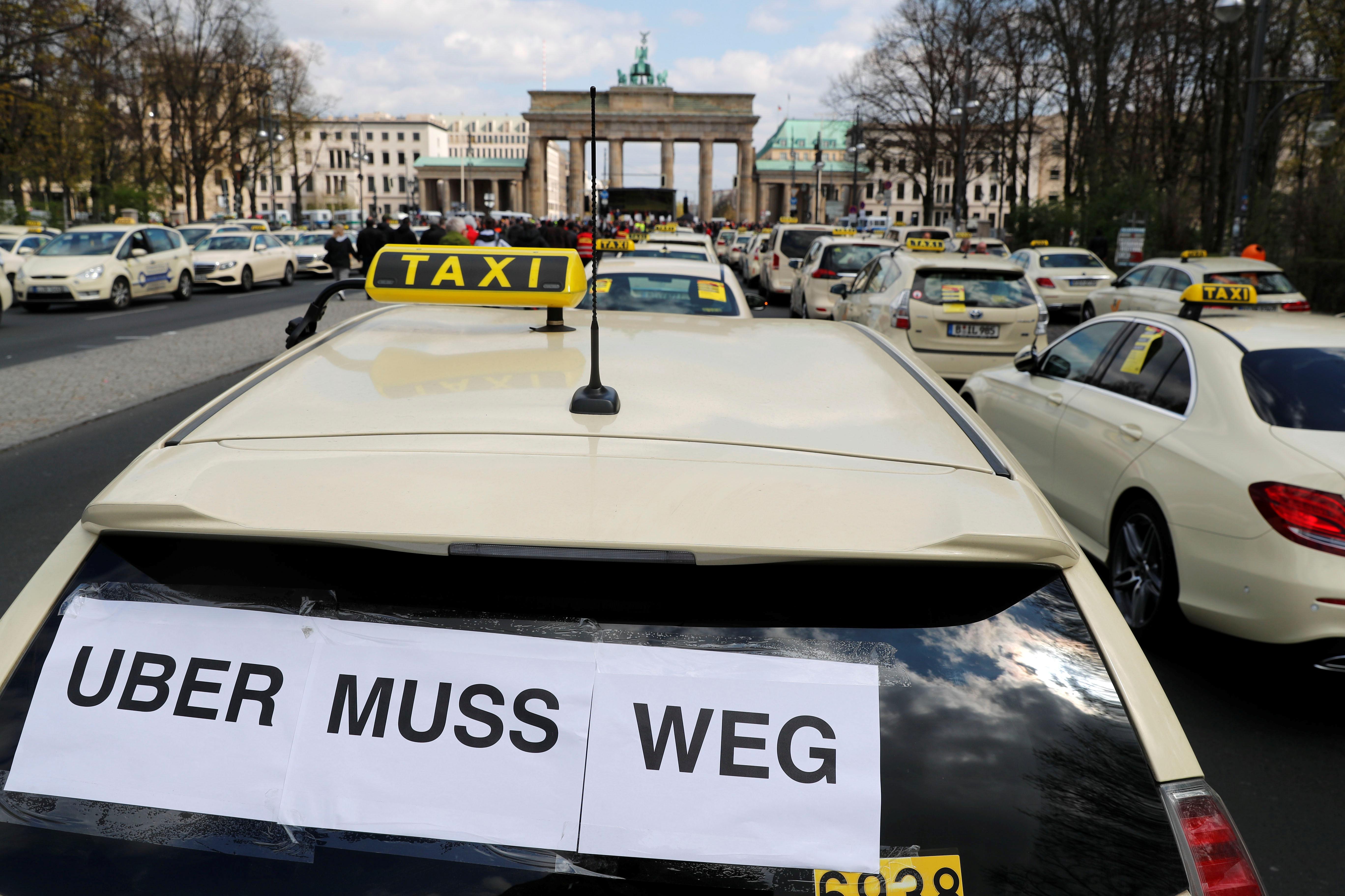 انتفاضة التاكسى تشل برلين (10)