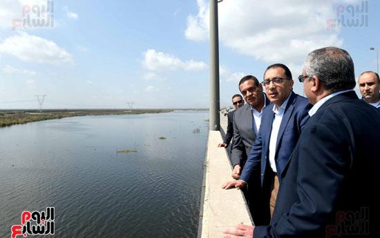 تفقد أعمال تكريك وتطوير بحيرة إدكو بمحافظة البحيرة تصوير سليمان العطيفى (4)