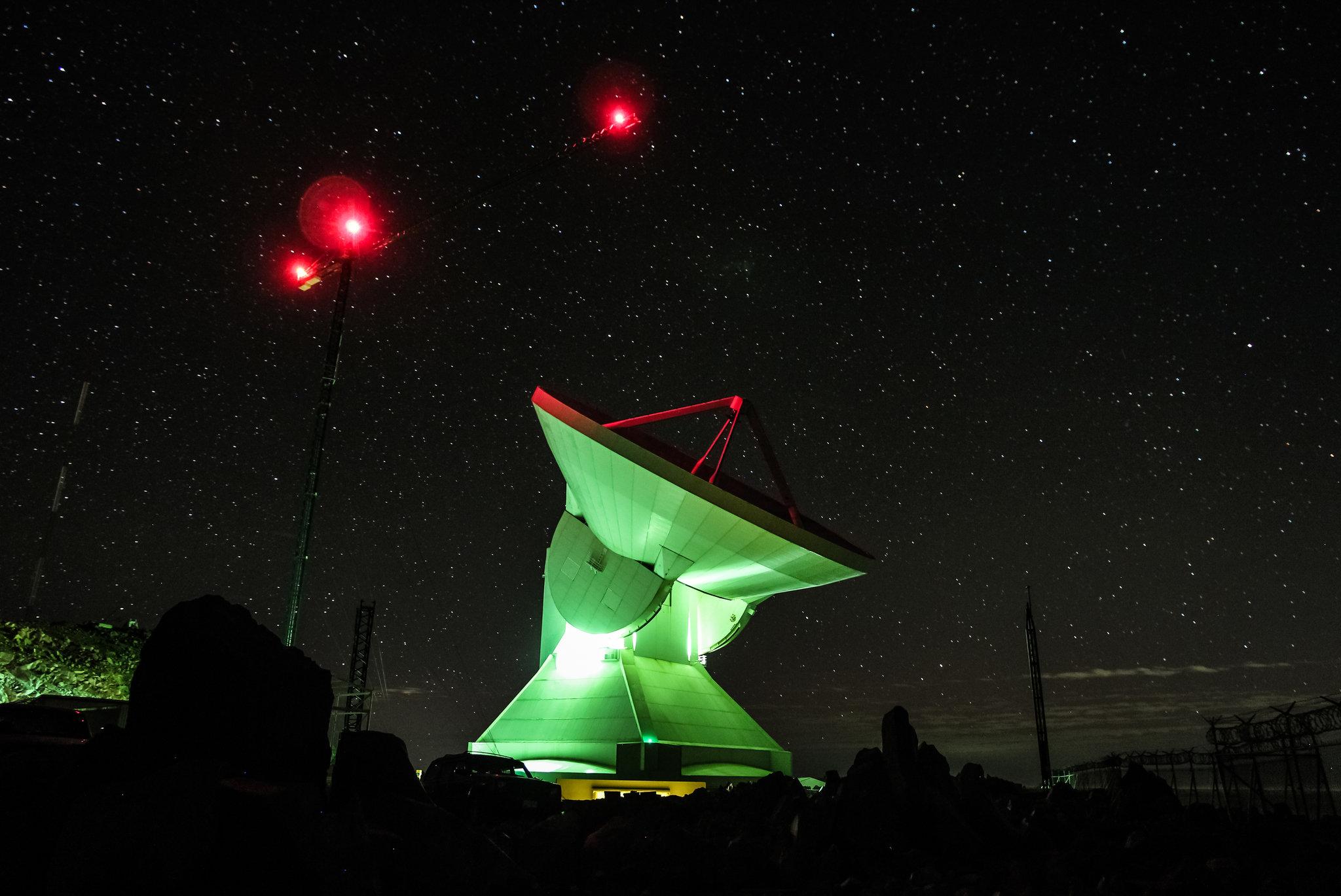 أحد التيليسكوبات المستخدمة فى تصوير أثر الثقب الأسود