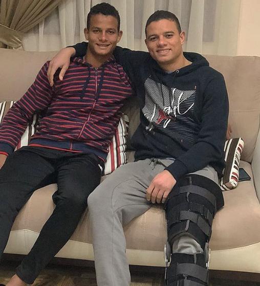 سعد سمير مع شقيقه