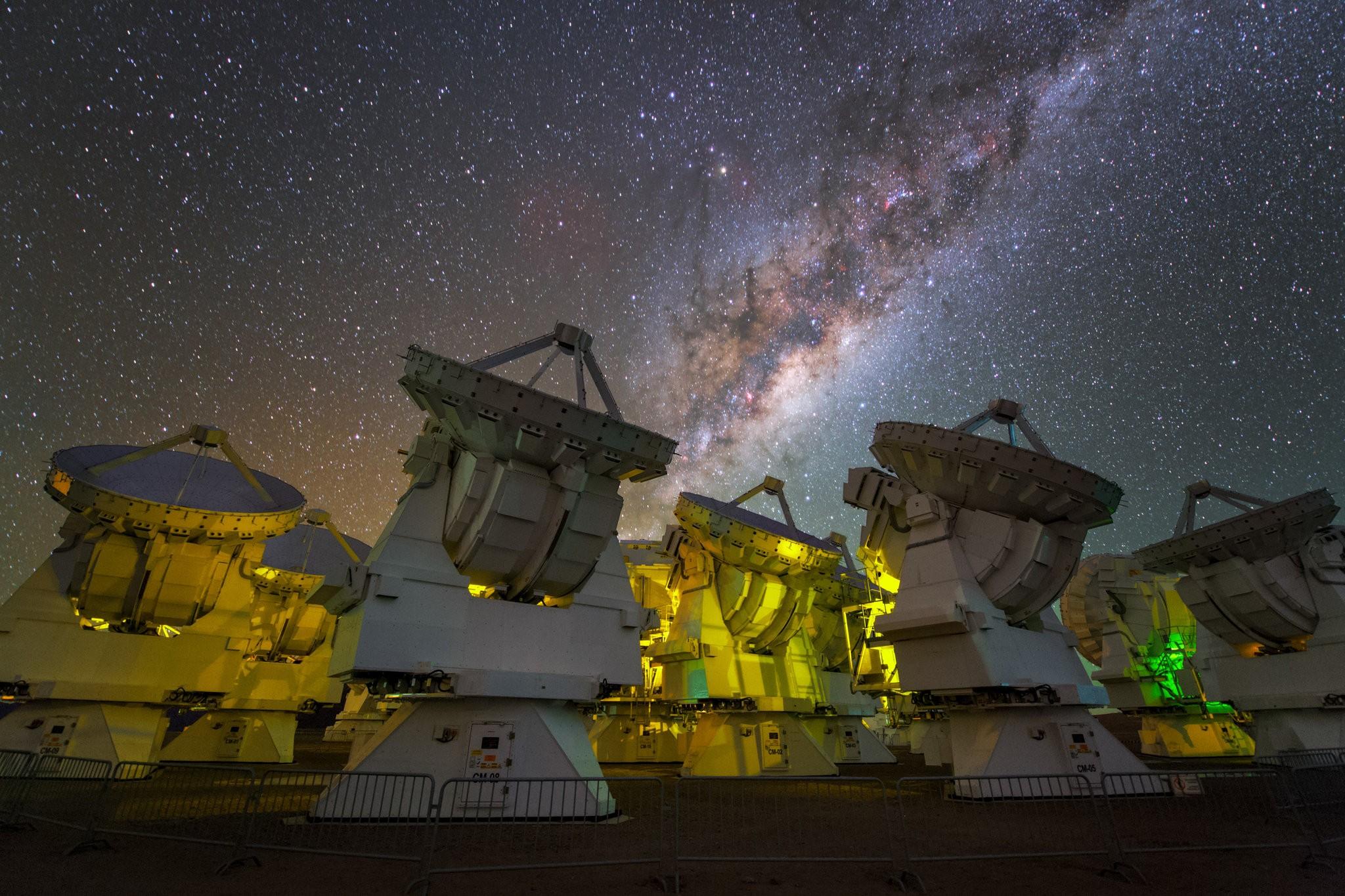 تليسكوبات لتصوير أثر الثقب الأسود