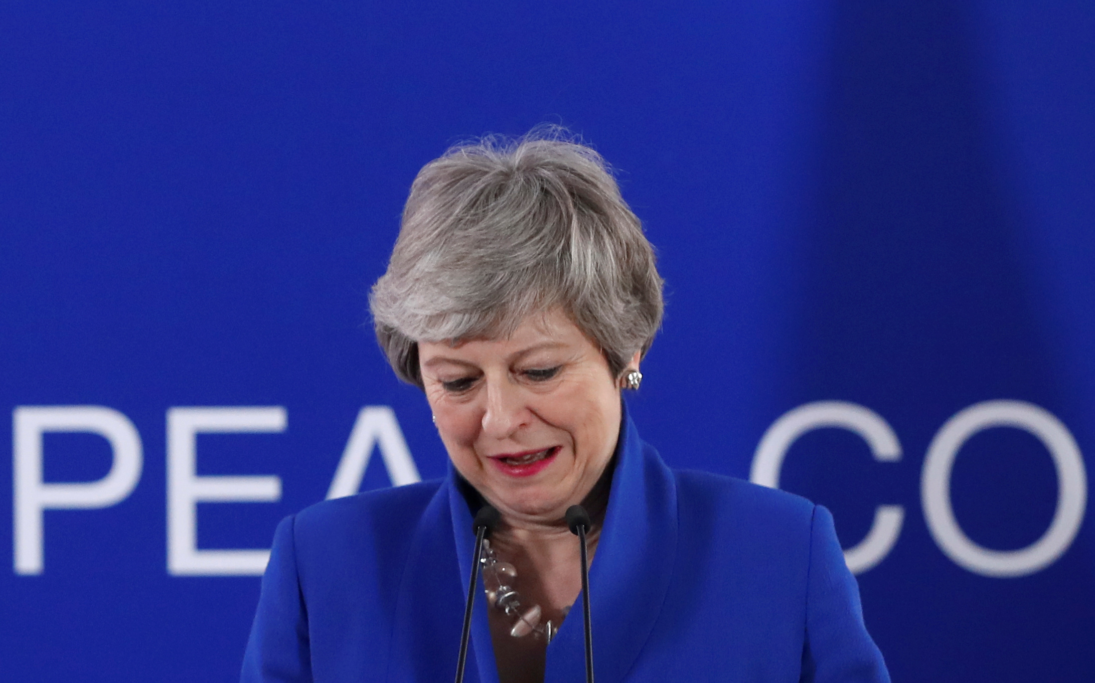 ماى فى موقف حرج بعد رفض اتفاقها مع أوروبا من قبل البرلمان البريطانى