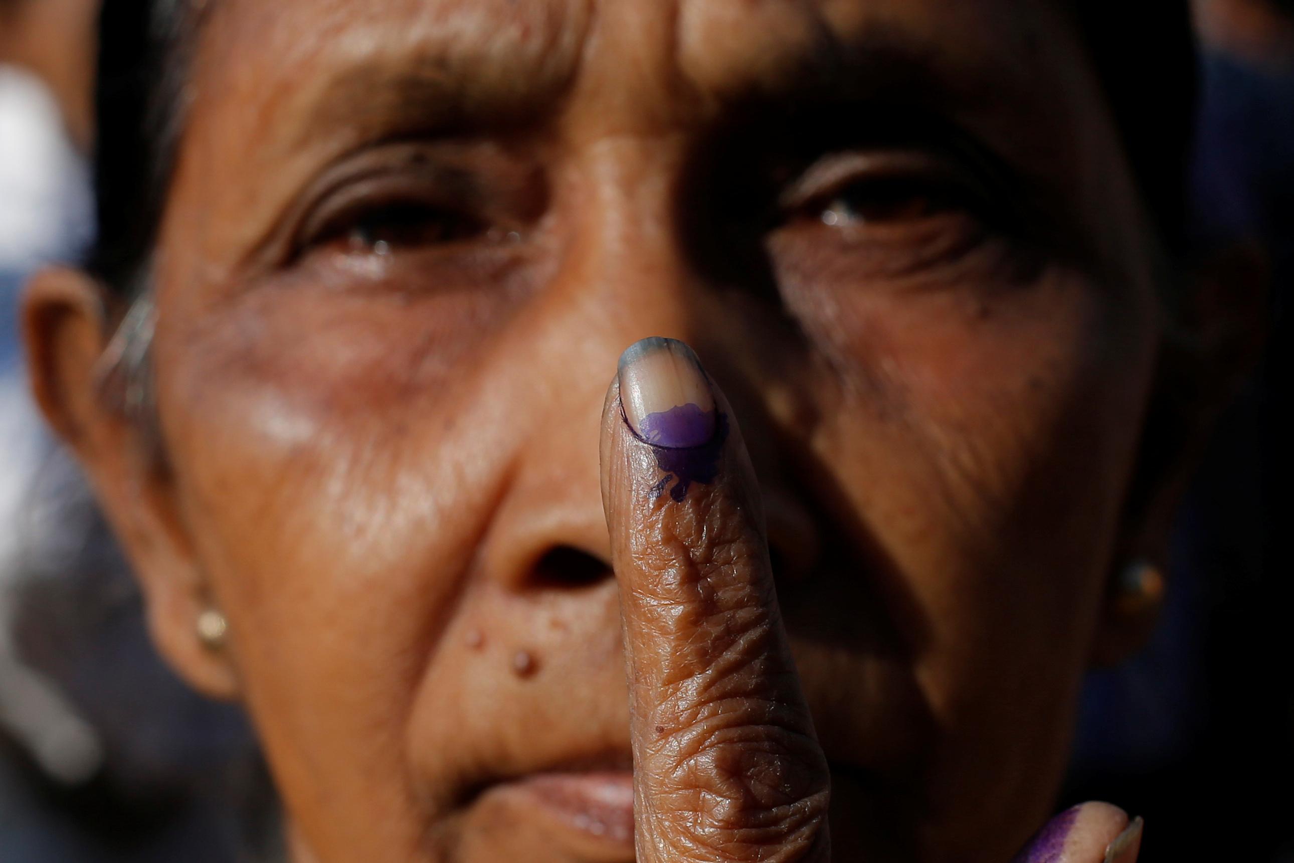 مواطنة هندية شاركت فى الانتخابات