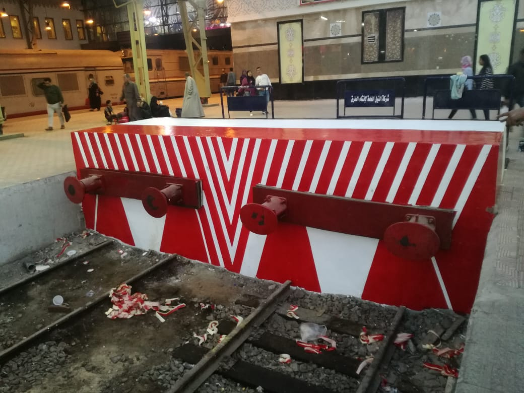 النقل تدهن موقع حريق محطة مصر بعلم مصر (1)