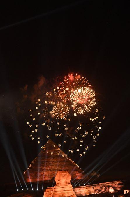 الألعاب النارية تزين سماء الأهرامات فى حفل قرعة أمم إفريقيا (2)