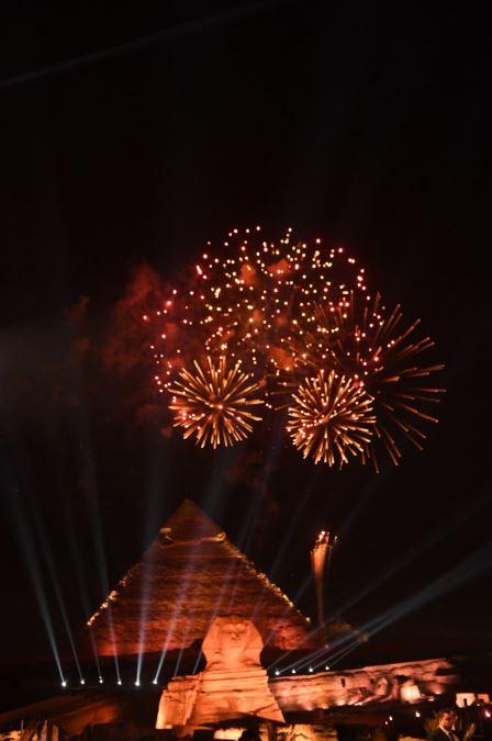 الألعاب النارية تزين سماء الأهرامات فى حفل قرعة أمم إفريقيا (3)