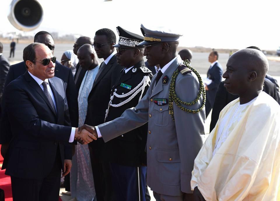 السيسى يصل العاصمة السنغالية داكار (6)