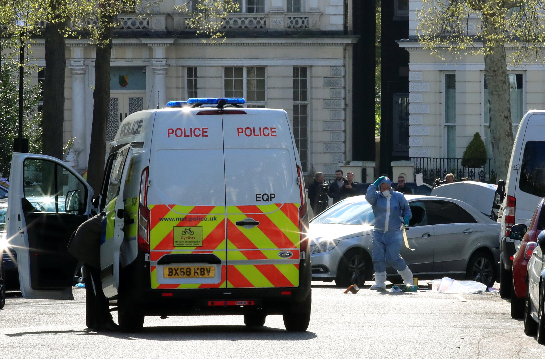 إطلاق النار على مركبة صدمت سيارة سفير أوكرانيا  (1)