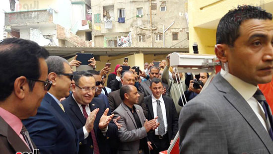 وزير-القوى-العاملة-يفتتح-منتجع-أبو-قير-السياحى--(6)