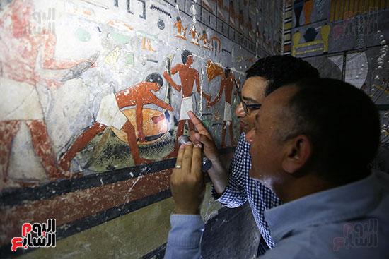 مقبرة خوى أحد النبلاء فى مصر  فى سقارة (16)