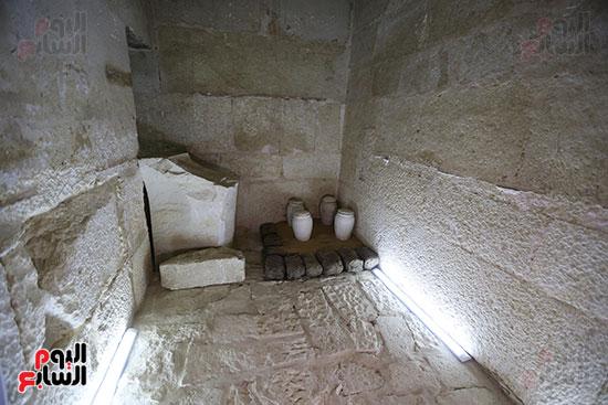 مقبرة خوى أحد النبلاء فى مصر  فى سقارة (9)