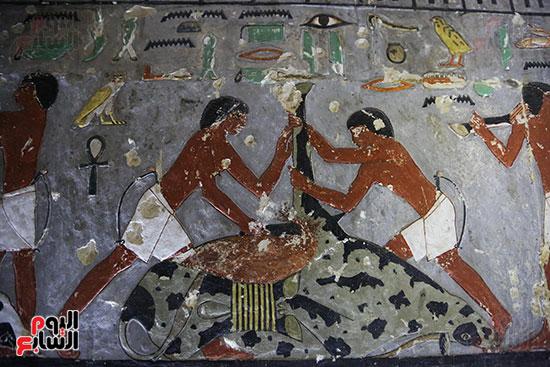 مقبرة خوى أحد النبلاء فى مصر  فى سقارة (14)