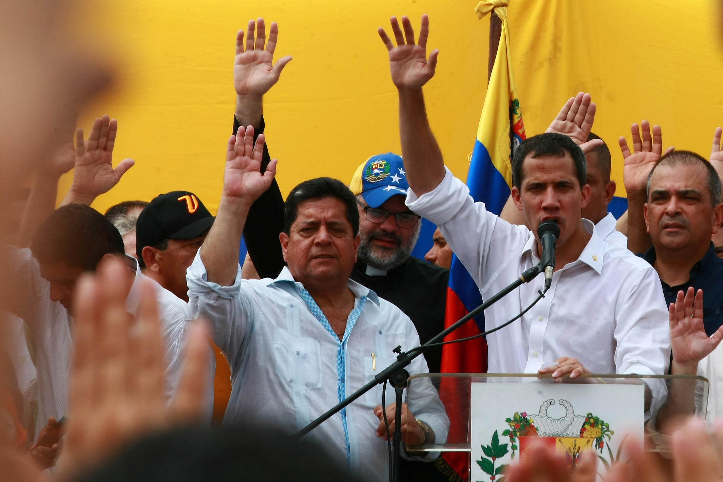 زعيم المعارضة الفنزويلية جوايدو يشارك في مظاهرة خلال زيارته لماراكايبو 22