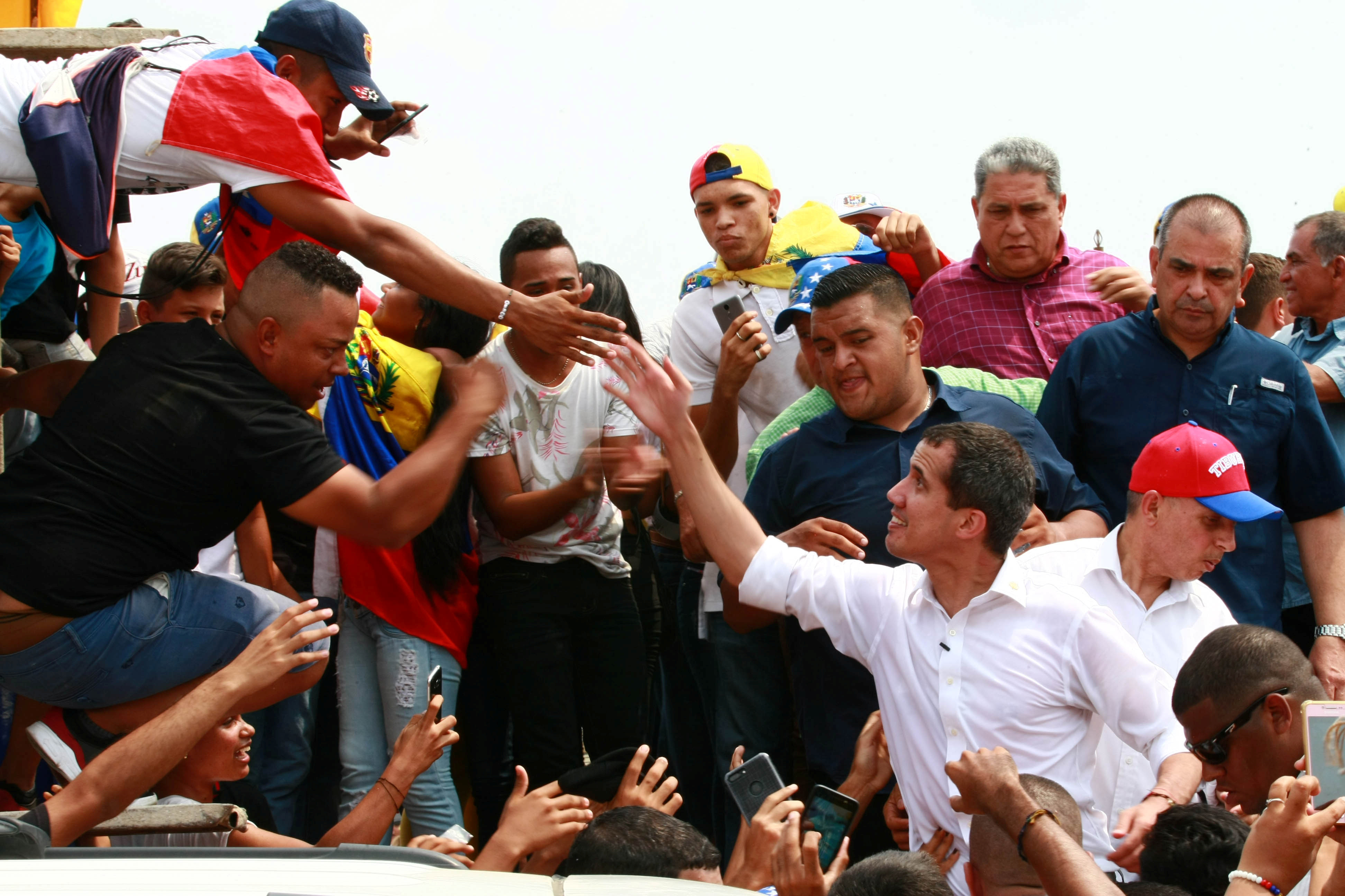 زعيم المعارضة الفنزويلية جوايدو يشارك في مظاهرة خلال زيارته لماراكايبو 20